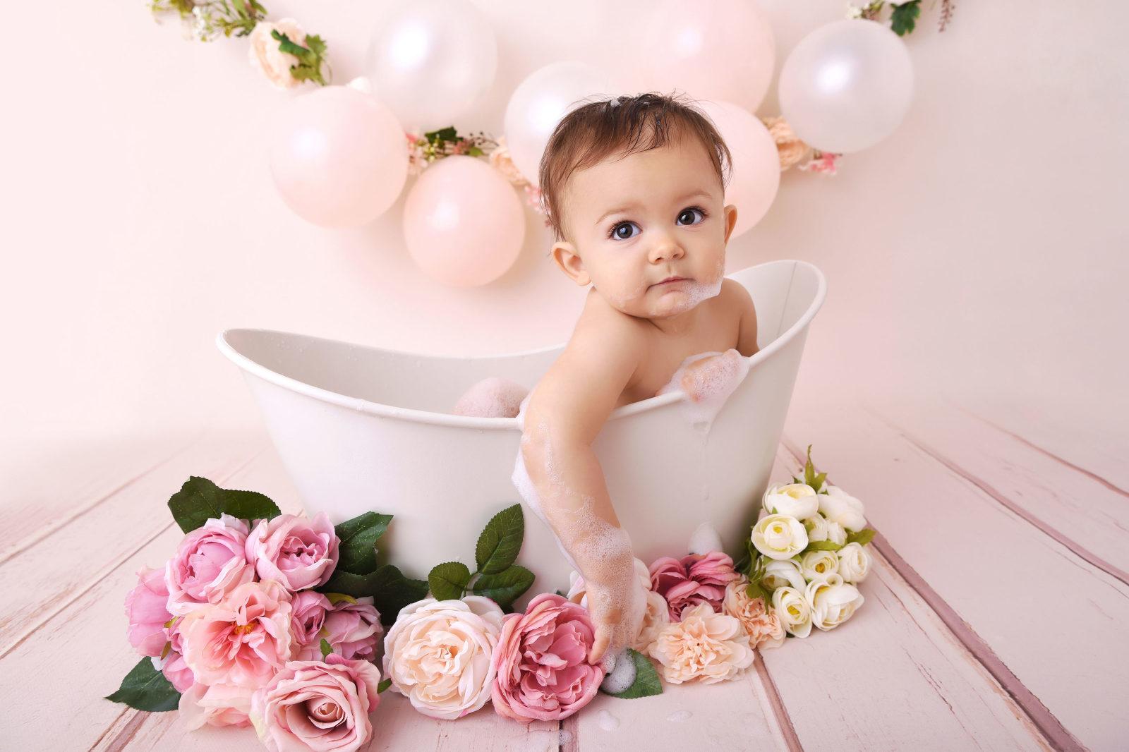 bebe dans sa baignoire