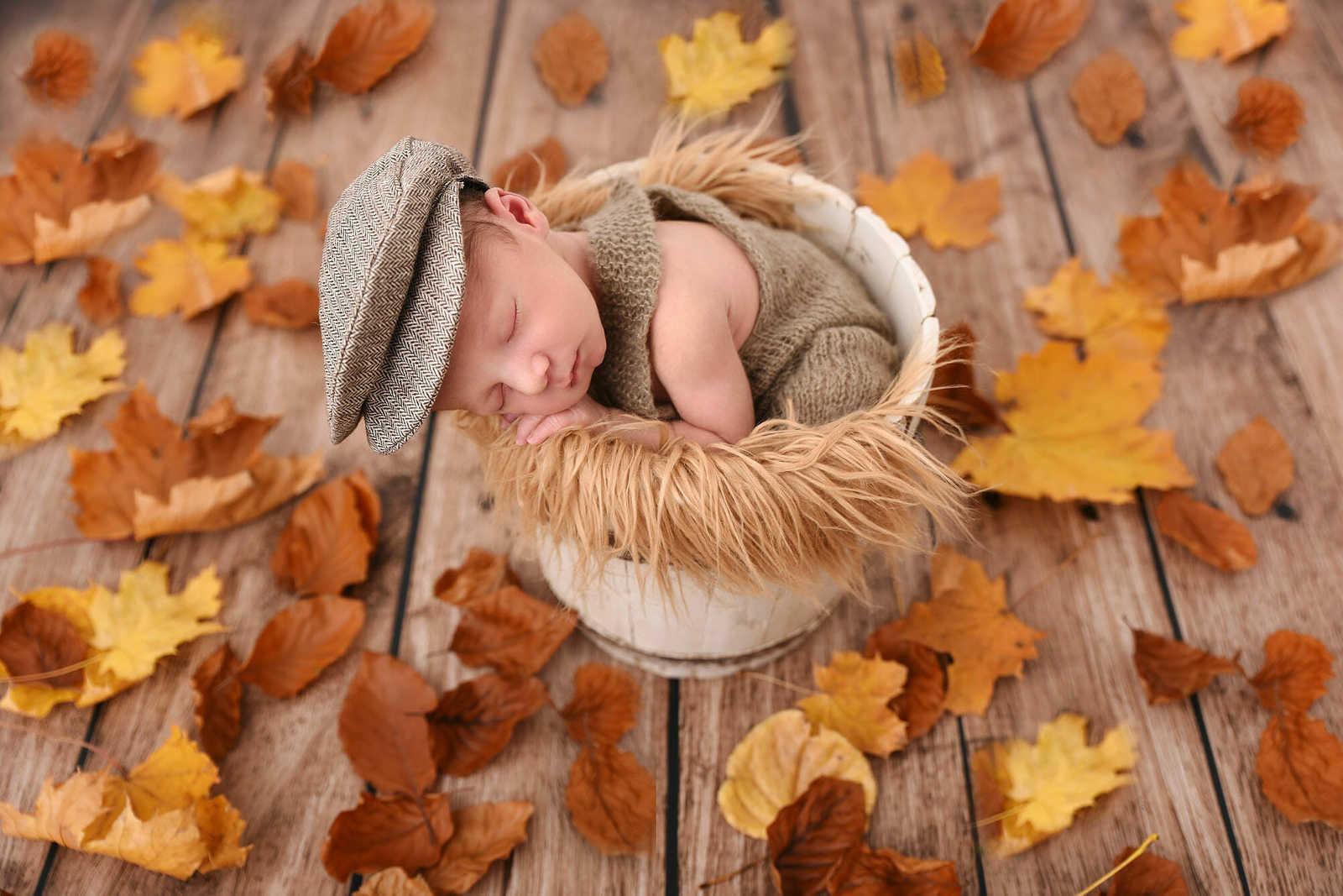 Nouveau-né dormant dans un sceau